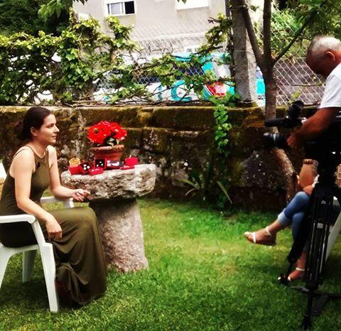 Sabela recording an interview for Television de Galicia RTVG